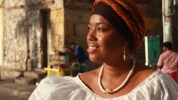 A local Cartagena woman