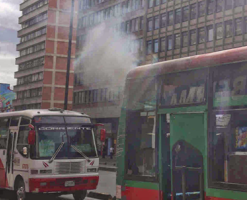 bus polluting white smoke 3