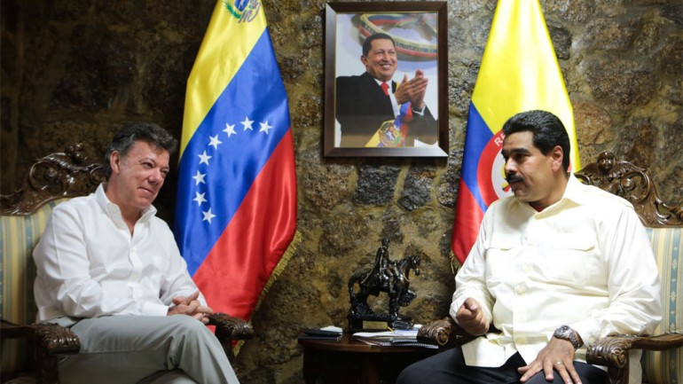 Santos (left) and Maduro to meet on Monday